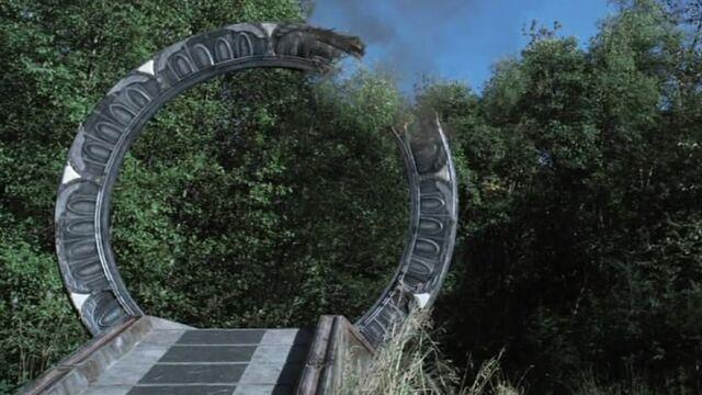 File:Broken gate.jpg