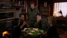 SG1-10x05-Mitchell joue au poker