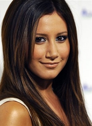 File:Ashley Tisdale - Dominque Henderson.jpg