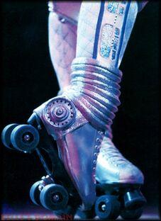 Dinah skates us87