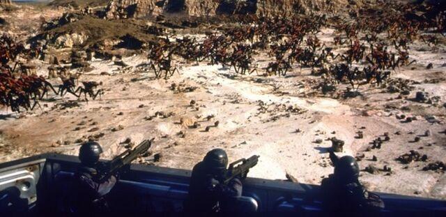 File:Starship-troopers-05-g.jpg