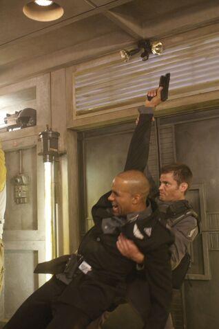 File:Starship troopers 3 marauder movie image casper van dien 2 l.jpg