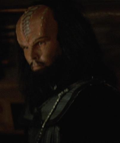 File:Klingon weapons officer STV.jpg