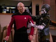 Borg kidnap Picard
