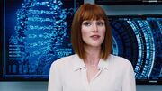 Jurassic-World-Bryce-Dallas-Howard-2015-Images