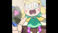 S2E1 Star Butterfly holding a hairbrush