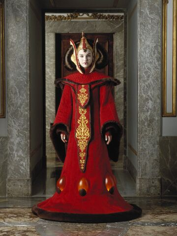 File:Padmefull3Throne.jpg