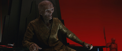 Snoke chillin like a villain