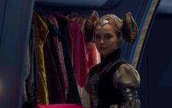 Amidalas wardrobe
