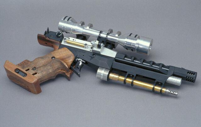 File:SE-5 blaster pistol.jpg