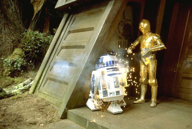File:Artoo blasted on Endor.jpg