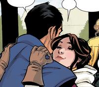 Junn hugging Leia