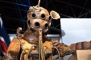 800px-Empress of Mars Victorian spacesuit - Doctor Who Experience - Cardiff-60 (35807944733)