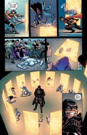 Batman & Robin Eternal (2015-) 025-012