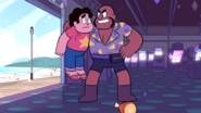 SU - Arcade Mania Smiley Picking Up Steven