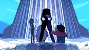 Steven și nestematele au ajuns