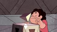 Serious Steven (060)