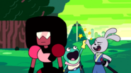 Garnet Universe high fiving