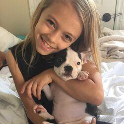 Coco Quinn w dog