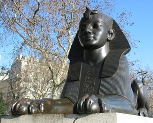 Cleopatra's Needle (London) sphinx 2