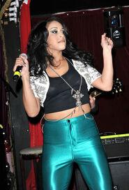 Alexandra Buggs Stooshe Live Proud Cabaret Gs8QKfm6wWl