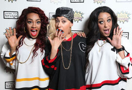 Showbiz stooshe