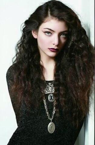 File:Lorde fashion.jpg
