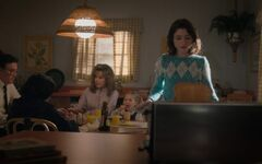 Mrs.-Butterworth's-Syrup-in-Stranger-Things-1-1-800x500