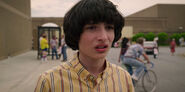 Stranger-Things-season-3-screenshots-Chapter-2-The-Mall-Rats-103