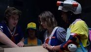 S03E04-Opening the box