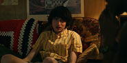 Stranger-Things-season-3-screenshots-Chapter-2-The-Mall-Rats-036