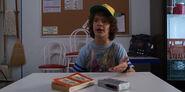 S03E02-Dustin discusses his radio transmission
