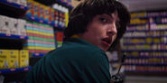 Stranger-Things-season-3-screenshots-Chapter-7-The-Bite-063