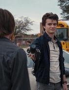Stranger Things 1x03 – Steve with Jonathan's camera