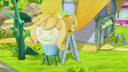 Lemon and her stylish cupcake