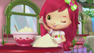 Strawberry as a cake sculptor