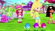 The-berry-long-winter-strawberry-shortcake-youtube-a829-640x360-00005