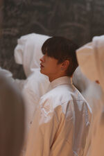Lee Know Distric 9 Music Video Shooting Behind (1)