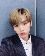 Lee Know IG Update 20190502 (1)