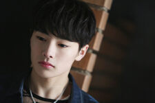 Jeongin Mixtape Jacket Shooting Behind (6)