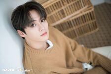 Lee Know Naver x Dispatch December 2019 (3)