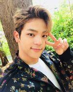 Woojin IG Update 180425 (3)