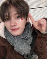 Lee Know IG Update 20191219 (1)