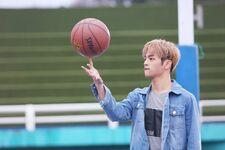 Woojin Grow Up Video Shooting Behind (2)