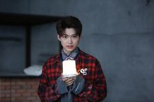 Felix Mixtape Jacket Shooting Behind (1)