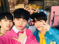 Hyunjin, Changbin, I.N and Lee Know IG Update 180330 (1)