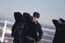 Seungmin Young Wings Performance Video Shooting Behind (2)