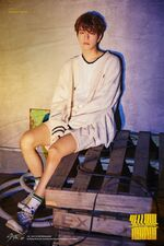 Seungmin Clé 2 Yellow Wood Promo Picture (1)