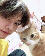 Lee Know IG Update 20200125 (2)