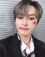 Lee Know IG Update 20191110 (2)